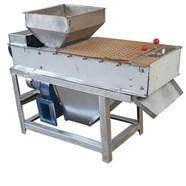 Máy bóc vỏ lụa đậu phộng rang 400 kg/ giờ